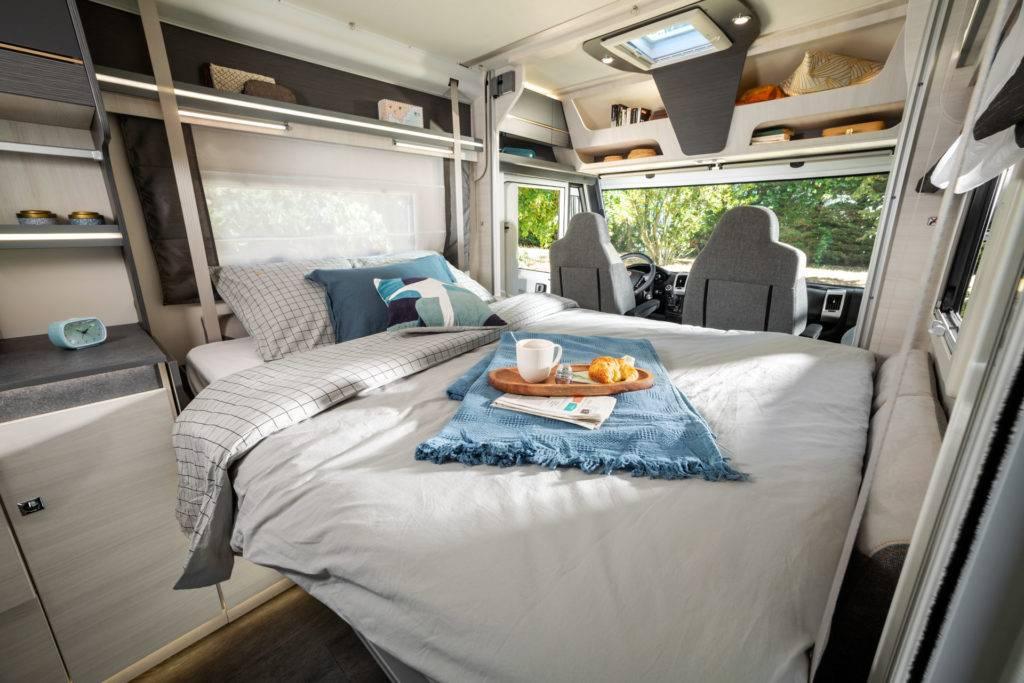 Lit pavillon camping-cars integraux